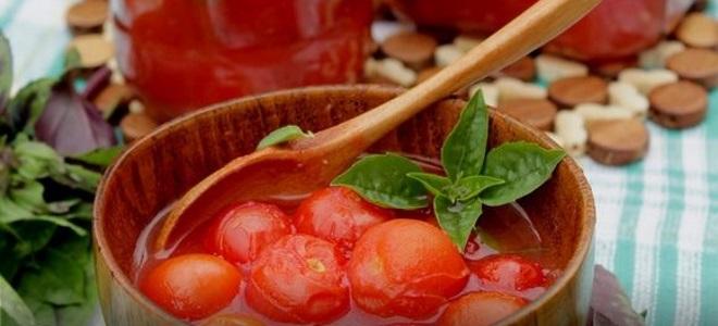 сладкие помидоры в томатном соке