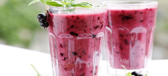 Смузи из замороженных ягод в блендере - рецепт