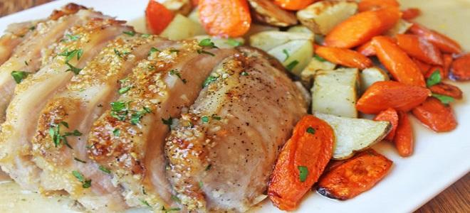 Свинина с овощами в рукаве в духовке