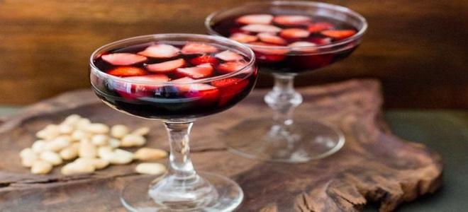 вино из клубничного компота