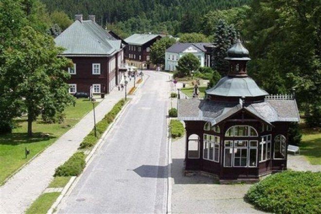 Курорт Карлова-Студанка