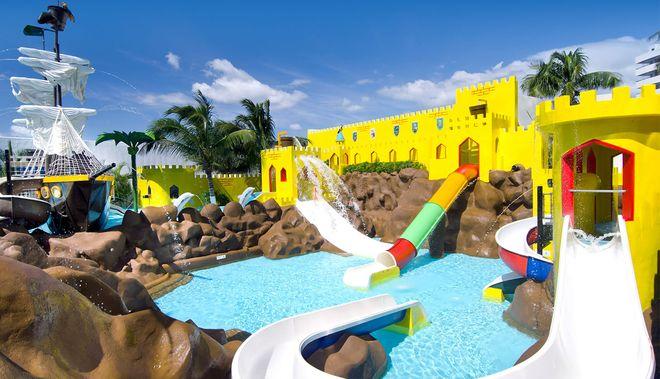 Аквапарк в отеле Crown Paradise, Канкун