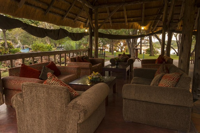Azambezi River Lodge