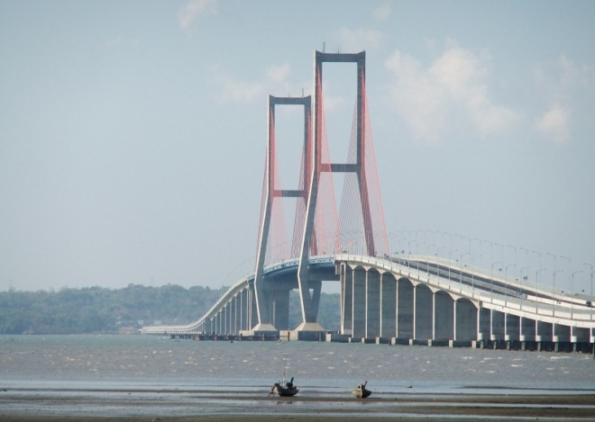 Мост Suramadu National Bridge