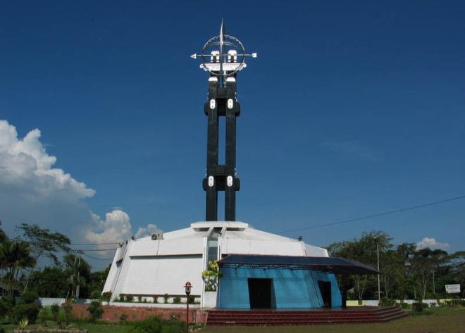 Памятник экватору
