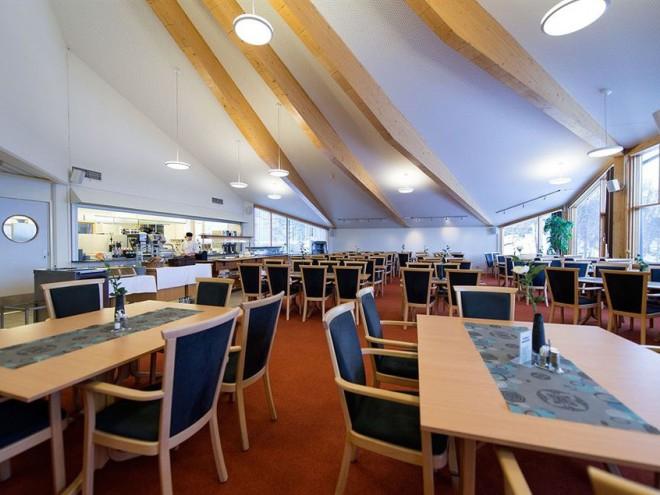 Ресторан в отеле Sydspissen Тромсе Тромсе restoran v otele sydspissen