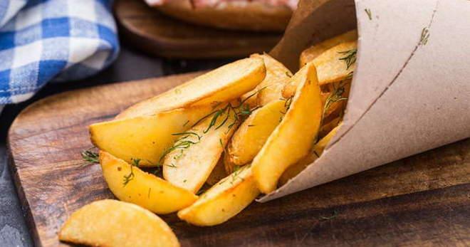 Картошка по-деревенски в духовке с курицей, свининой, рыбой, грибами и другие рецепты
