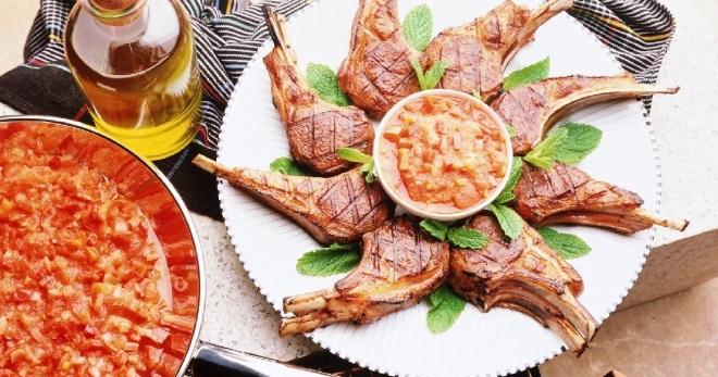 Вкусные блюда – рецепт сырного супа, классического лагмана, швейцарской решти, пасты карбонара, яичных блинов, яблочного зефира