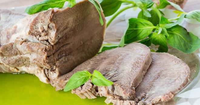 Сколько варить свиной язык – секреты приготовления субпродукта разными способами