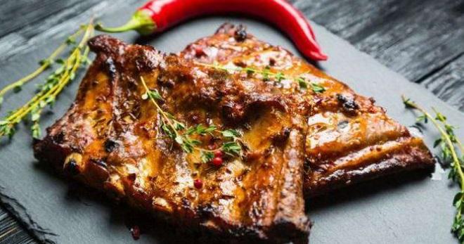 Свиные ребра в духовке – рецепт в рукаве, фольге, горшочке, банке, в пиве, соусе терияки