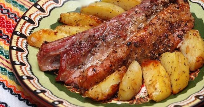 Свиные ребра с картошкой в духовке – как приготовить в фольге, рукаве, горшочках и другие блюда