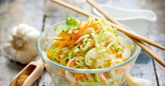 Как приготовить корейский салат из кабачков на зиму в домашних условиях