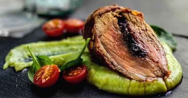 Что приготовить из свиной вырезки для праздничного стола или семейного обеда?