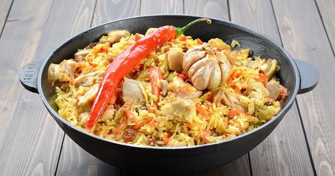 Плов с курицей в духовке - быстрое, вкусное и очень сытное блюдо!