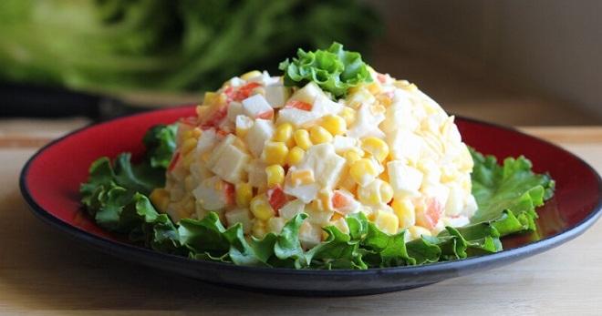 Как приготовить крабовый салат по проверенным и новым рецептам?