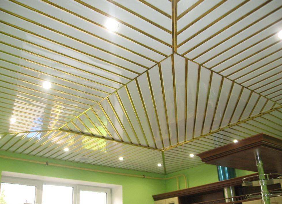 реечные алюминиевые потолки на кухне фото многих