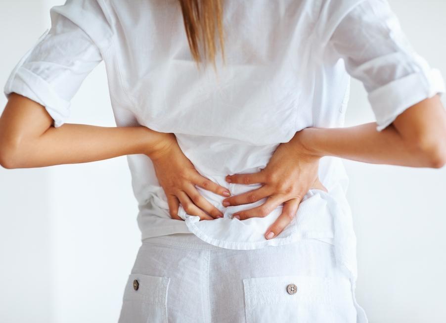 Болит поясница отдает в ягодицу и ногу причины и лечение