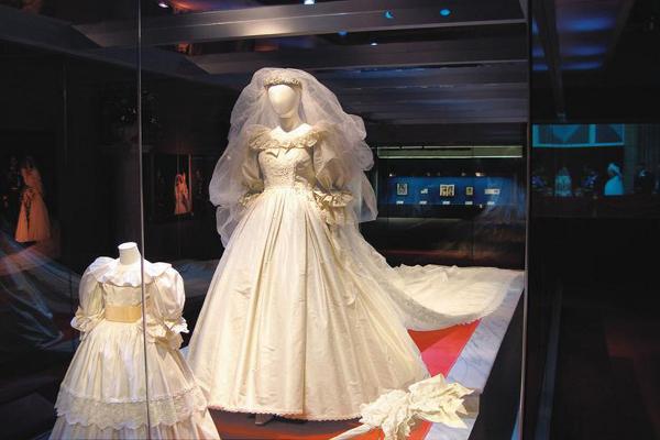 3c5bf92fe62 Свадебное платье принцессы Дианы 1 ...