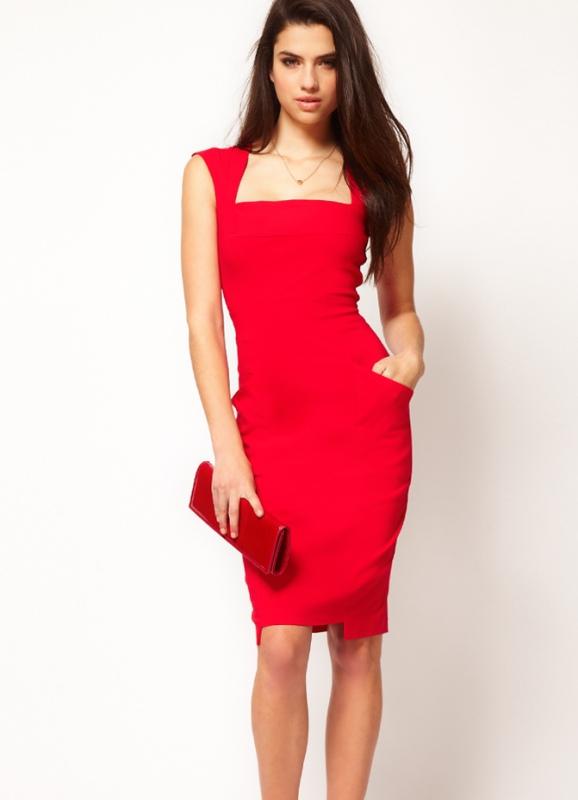 c6896a53b1bae06 Платье с вырезом спереди