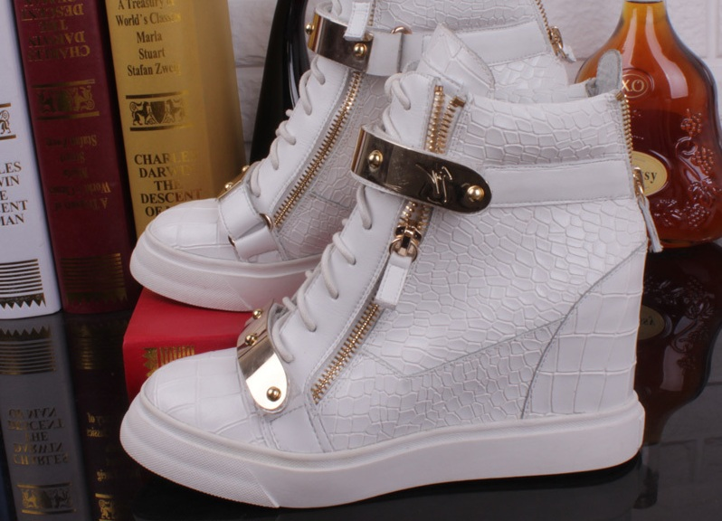 Зимние кроссовки на платформе 1 ... 14c1acd10a4