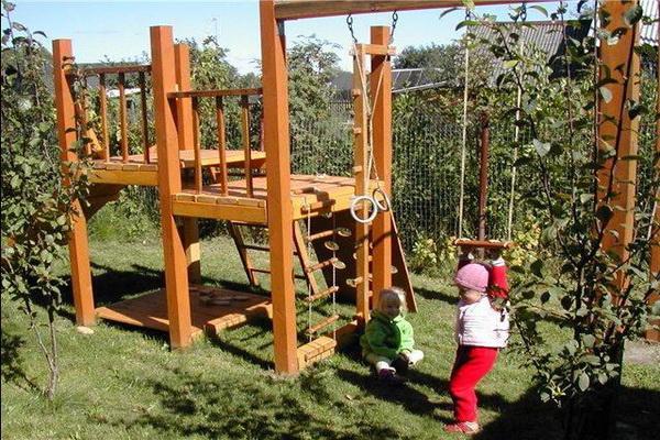 Детская площадка своими руками: фото-идеи 86