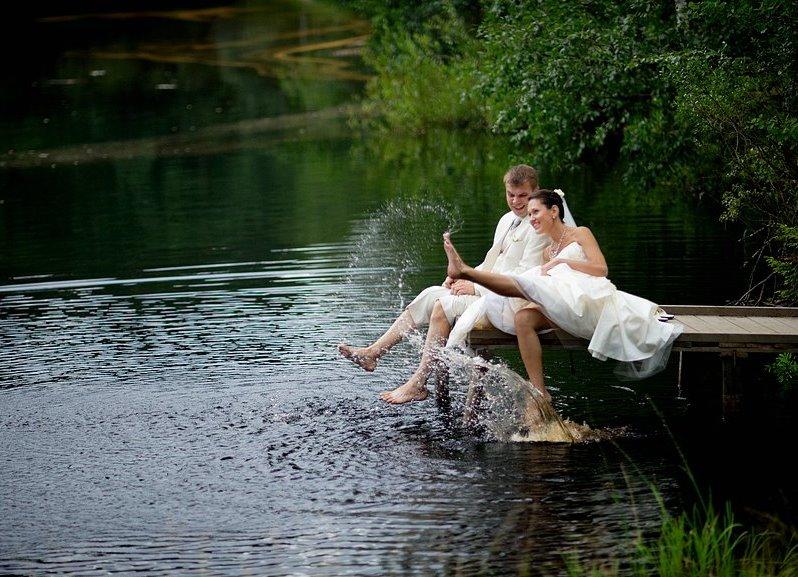 Оформить озеро на участке своими руками реально: советы по 14