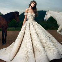 d2bbdb6fa68 Модные свадебные платья мировых художников-модельеров в этом весенне-летнем  сезоне отличает утонченность