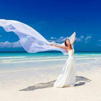 ccf6c9462a9 Пляжные свадебные платья кардинально отличаются от традиционных