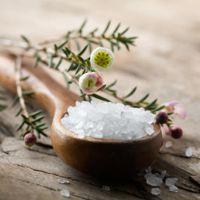 Соль на сковороде