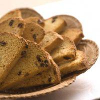 Сколько калорий в сухариках из белого хлеба