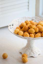 Классический рецепт орешков со сгущенкой и с майонезом