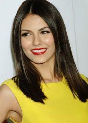 макияж под желтое платье