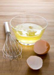 мыть голову яйцом