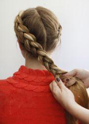 плетение косы вокруг головы 4