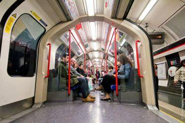 http://womanadvice.ru/sites/default/files/imagecache/height_250/tania/metro_londona_7.jpg