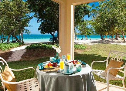 В ресторане Sandals Whitehouse