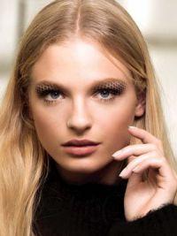 Осенняя коллекция макияжа Шанель 2016 4