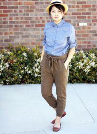 с чем носить коричневые женские брюки 4