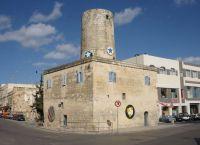 Бывшая мельница сейчас служит картинной галереей