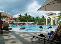Бассейн в отеле Sandals Whitehouse