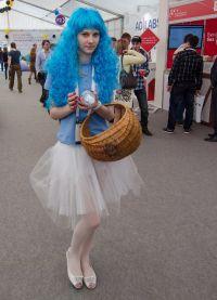 голубой парик 10