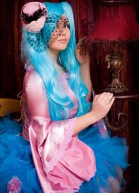голубой парик 11