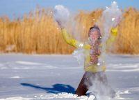 Красивые позы для фотосессии зимой 3
