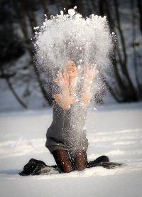 Красивые позы для фотосессии зимой 7