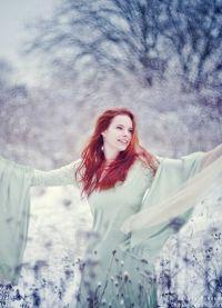 Красивые позы для фотосессии зимой 8