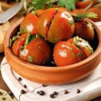 помидоры фаршированные зеленью и чесноком