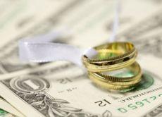 Cколько денег дарить на свадьбу?