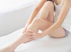 Почему болят ноги по утрам после сна