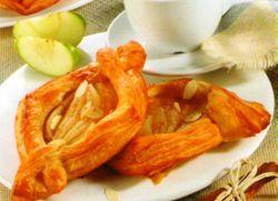 Яблочные слойки из слоеного теста