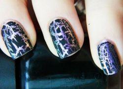 Как красить ногти трескающимся лаком